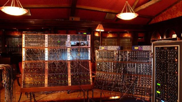 the-majestic-recording-studio-of-hans-zimmer-9